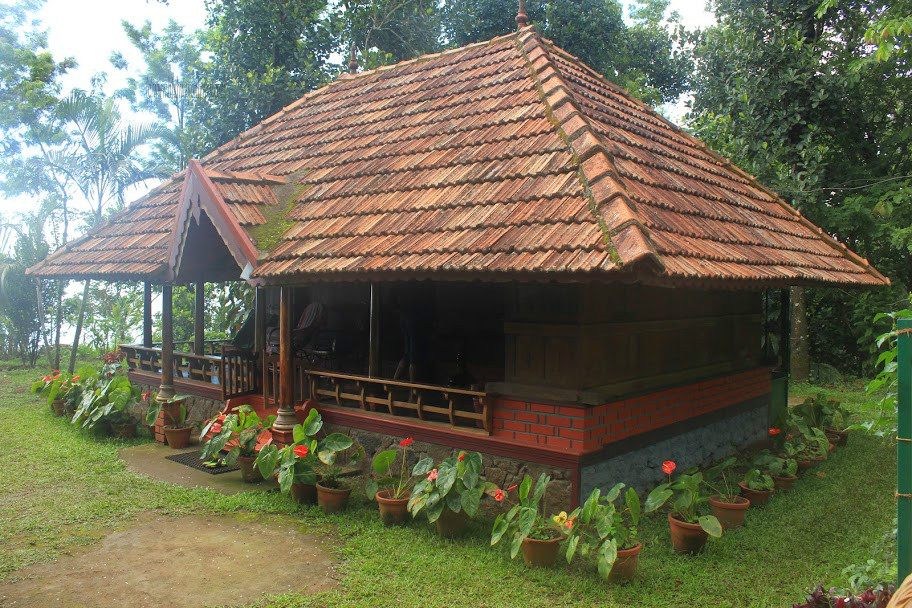 Old house wood work in kerala joy studio design gallery for Traditional house designs in tamilnadu
